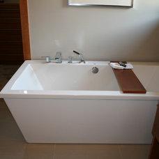Contemporary Bathroom by Design Dacoy