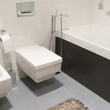 Bathroom by SVOYA studio