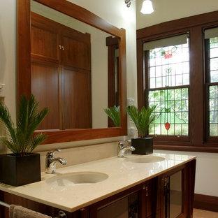 Ispirazione per una grande stanza da bagno padronale american style con lavabo sospeso, consolle stile comò, ante in legno scuro, top in marmo, doccia doppia, WC sospeso, piastrelle beige, piastrelle in pietra, pareti bianche e pavimento in marmo