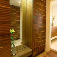 Bathroom by devrai design