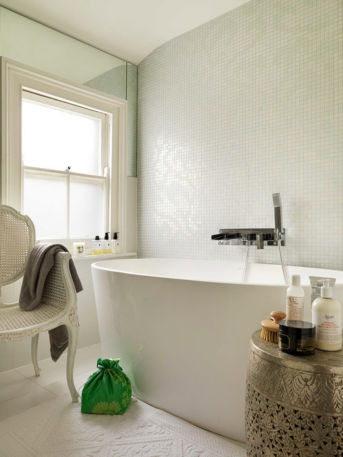 Traditional london bathroom design ideas remodels photos for Bathroom ideas london