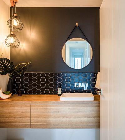 コンテンポラリー 浴室 by DAYNE LAWRIE constructions