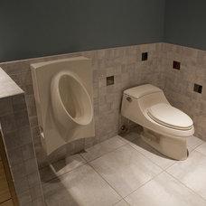 Modern Bathroom by Gryboski Builders Inc.
