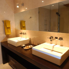 Contemporary Bathroom by HABITALY by marcopolo