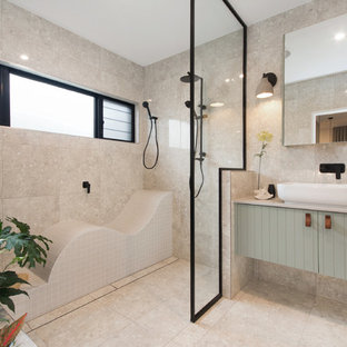 Inspiration for a contemporary bathroom in Townsville.