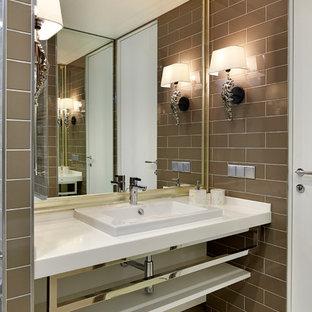 На фото: ванные комнаты в современном стиле с коричневой плиткой, коричневыми стенами и накладной раковиной