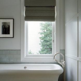 Idee per una stanza da bagno tradizionale con vasca freestanding e piastrelle diamantate
