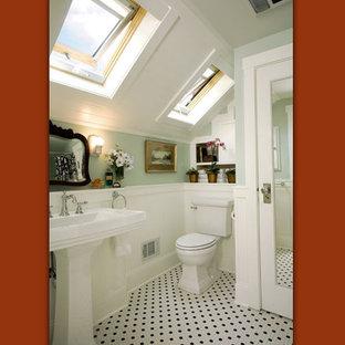 ポートランドのエクレクティックスタイルのおしゃれな浴室の写真