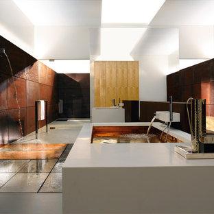 Идея дизайна: большая ванная комната в стиле модернизм с столешницей из меди