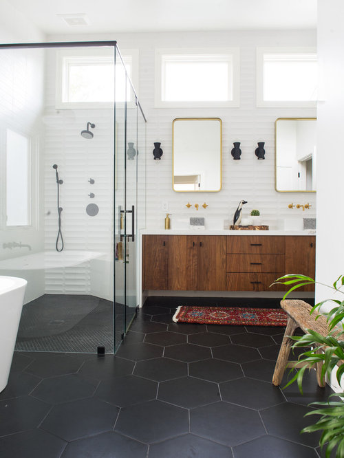 11 best midcentury modern bathroom ideas photos houzz for Mid century modern master bathroom