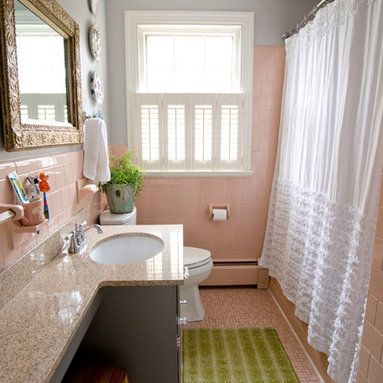 Installing Beadboard Wainscoting Bath Design Ideas, Pictures, Remodel & Decor with Gray Cabinets ...