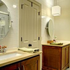 Traditional Bathroom by Linda MacArthur, Architect