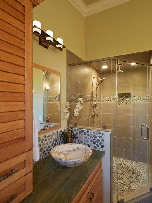 Salles de bains et wc avec un placard porte persienne et for Porte de placard salle de bain