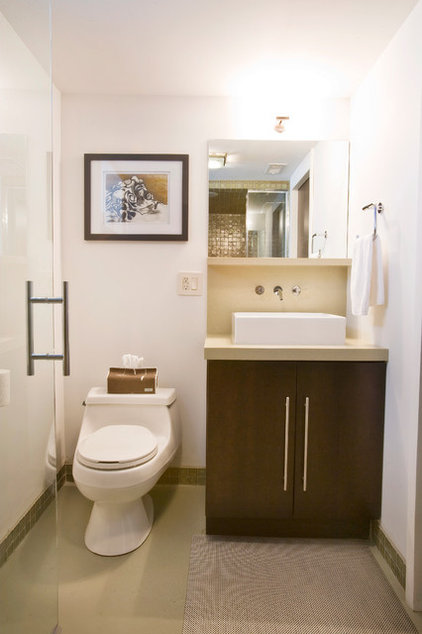 Modern Bathroom by Ryan Duebber Architect, LLC