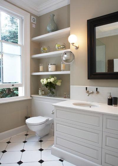 Классический Ванная комната by Laura Hammett Ltd