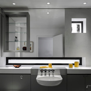 Inspiration for a contemporary bathroom in London.