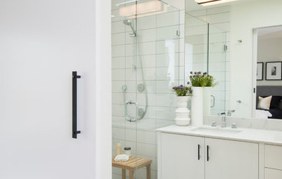 A Barn Door Gives This Bathroom More Room to Wow