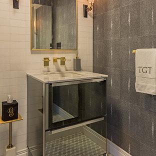 Foto di una piccola stanza da bagno con doccia minimalista con ante di vetro, ante grigie, piastrelle bianche, piastrelle in ceramica, pareti grigie, pavimento con piastrelle a mosaico, top in marmo, pavimento multicolore e top bianco