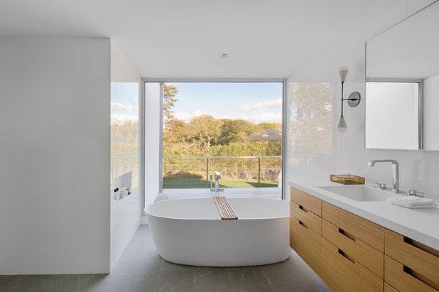 モダン 浴室 by Jill Howard Design Studio