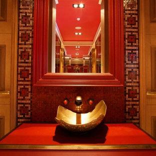 Ispirazione per una piccola stanza da bagno design con ante rosse, piastrelle multicolore, piastrelle a mosaico, pareti rosse, lavabo a consolle, top in acciaio inossidabile e consolle stile comò