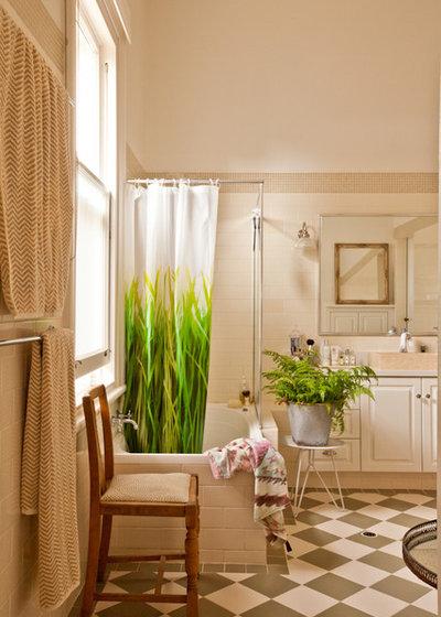 Dilemmi da doccia meglio porta trasparente o tenda - Ripresa di nascosto in bagno ...