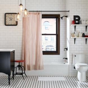 Immagine di una stanza da bagno per bambini tradizionale di medie dimensioni con consolle stile comò, ante in legno bruno, top in superficie solida, vasca ad alcova, WC monopezzo, piastrelle a mosaico, pareti bianche, lavabo a consolle e pistrelle in bianco e nero