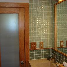 Modern Bathroom by alterego
