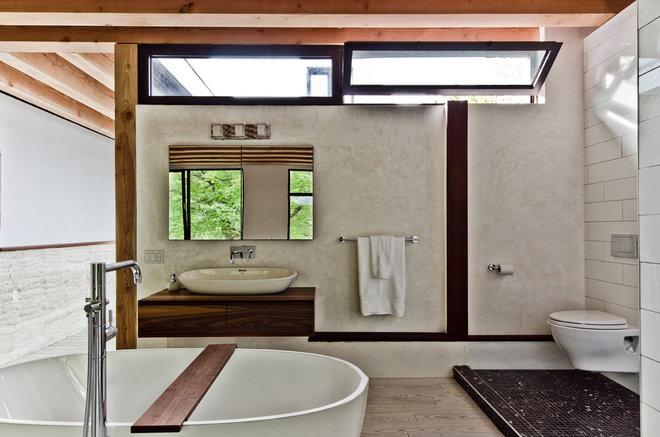 Contemporary Bathroom by Alexandre Parent