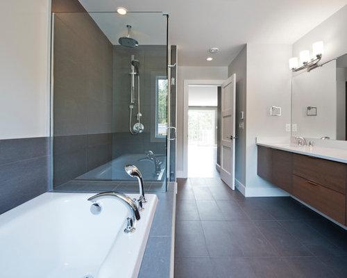 Stanza da bagno con piastrelle bianche e piastrelle in ardesia foto idee arredamento - Piastrelle di ardesia ...