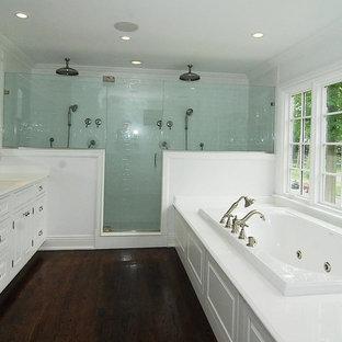 Esempio di una stanza da bagno chic con doccia doppia