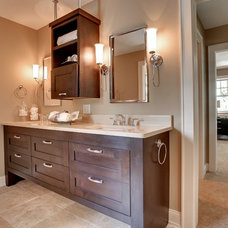 Contemporary Bathroom by Bruce Knutson Architects