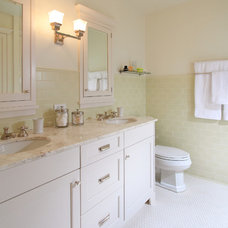 Traditional Bathroom by Belle-House
