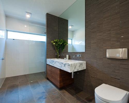 Bagno Marrone Scuro : Bagno con pareti marroni adelaide foto idee arredamento