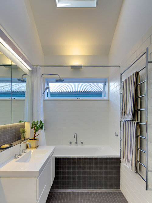 Mid Sized Contemporary Master Tub/shower Combo Idea In Sydney With An  Integrated Sink Part 16