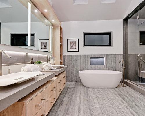Stanza da bagno contemporanea con piastrelle di pietra calcarea foto idee arredamento - Stanza da pranzo contemporanea ...