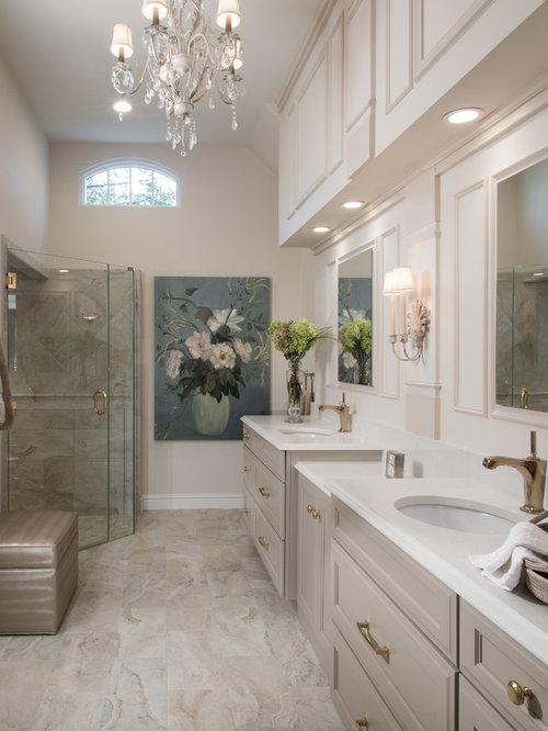 Badezimmer mit eckbadewanne und steinplatten ideen design for Badezimmer ideen eckbadewanne
