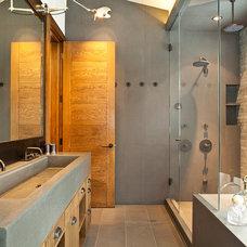 Contemporary Bathroom by Studio Frank