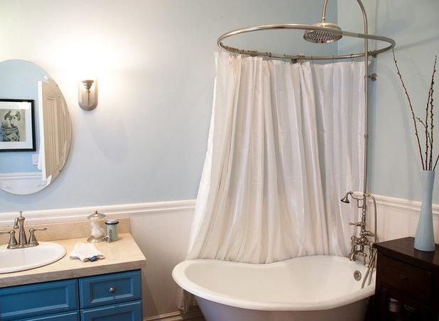 Traditional Bathroom by Architect Mason Kirby Inc.