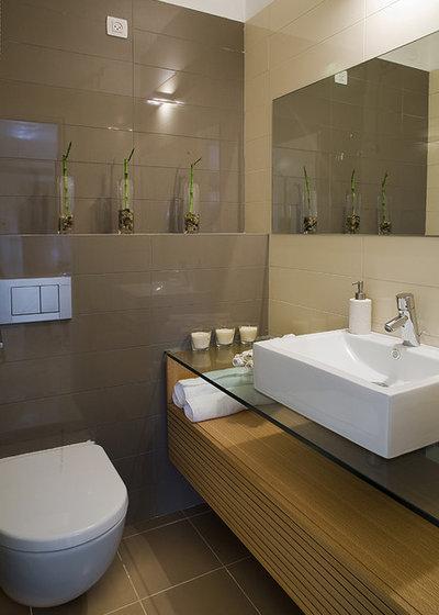 Modern Bathroom by SK Designers - Shimrit Kaufman