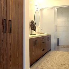 Bathroom by Fougeron Architecture FAIA
