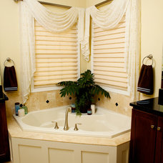 Traditional Bathroom by ExcitingWindows by Susan Day