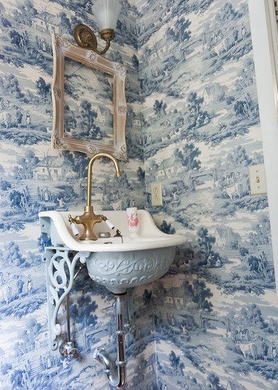 Victorian Bathroom by Kristie Barnett, The Decorologist