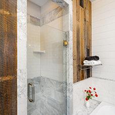 Contemporary Bathroom by Grandview Development & Construction Inc.