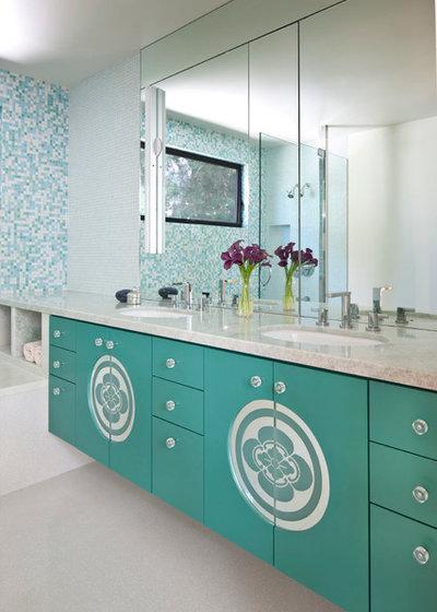 コンテンポラリー 浴室 by Linda Brettler Architect
