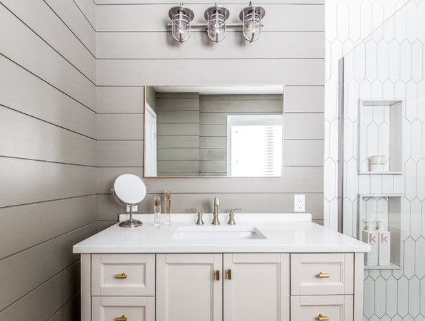 Modern Bathroom by Hampton Rowe