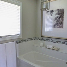 Eclectic Bathroom by soulstyle Interior Decorating & Home Staging