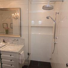 Traditional Bathroom by Ceramiques Hugo Sanchez Inc