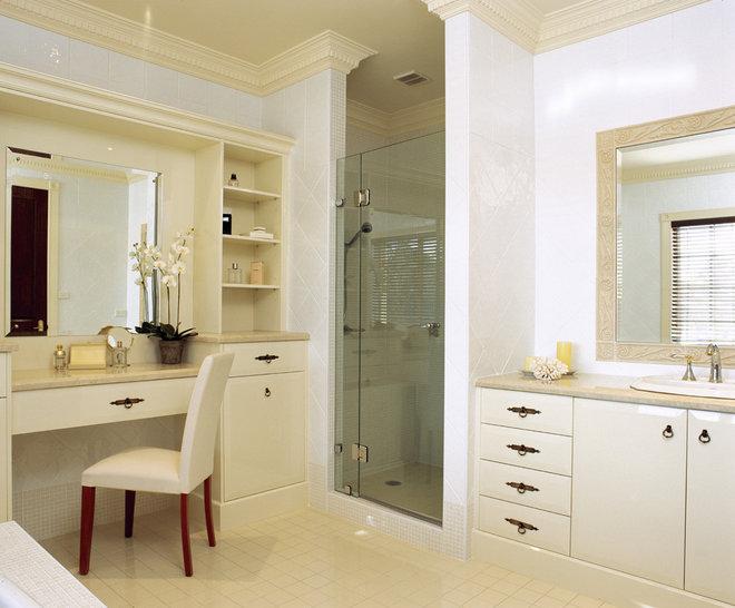 Mediterranean Bathroom by Charleston Homes Pty Ltd