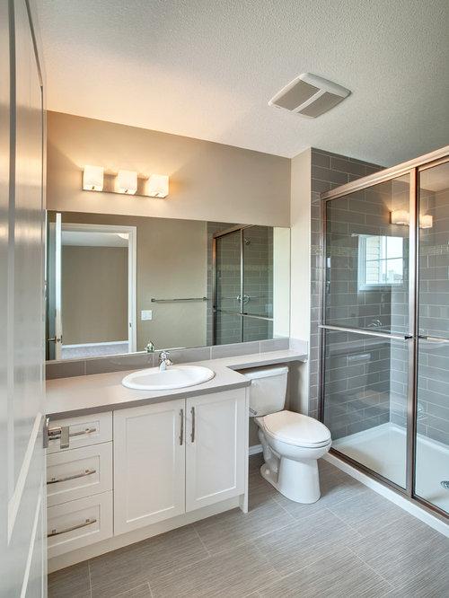 Salle de bain avec une douche double et un wc s par for Salle de bain avec wc separe