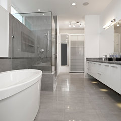 modern bathroom by Habitat Studio & Workshop